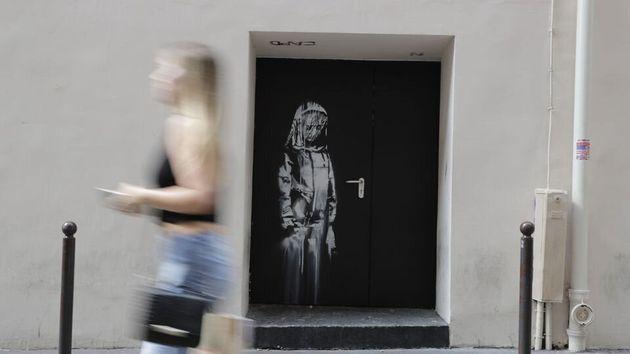 L'oeuvre de Banksy sur une porte du Bataclan était un hommage aux victimes du 13 novembre