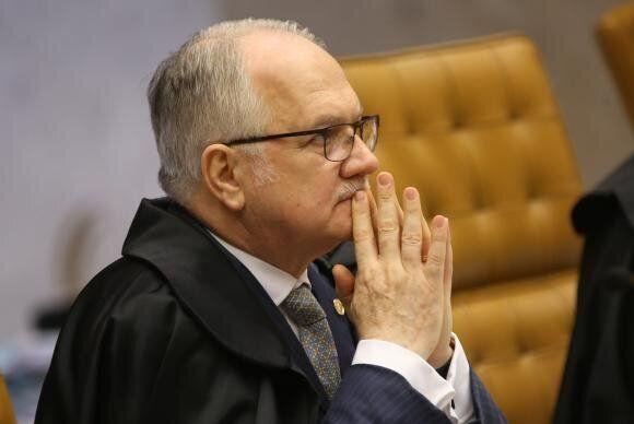 Em 2017, Edson Fachin, relator do caso, considerou a norma inconstitucional ao dizer que ela coloca em...