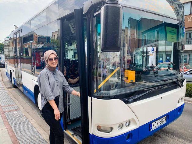 Η Νεσλιχάν Κιοσέ είναι μόλις 22 χρονών και έγινε η πρώτη γυναίκα οδηγός λεωφορείου στο ΚΤΕΛ