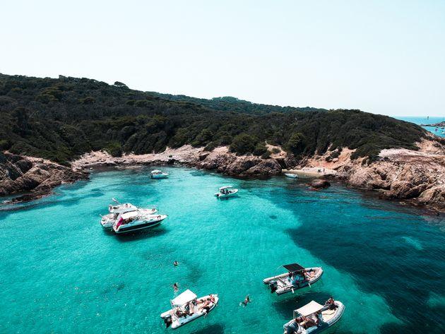 Vacanze italiane in sicurezza: in mezzo la mare a ognuno la sua