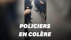 En colère contre Castaner, ces policiers posent leurs menottes au