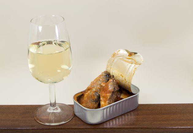 ワイン片手に、ちょっぴり贅沢な缶詰を味わうのもいいですね。