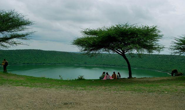 Ινδία: Λίμνη 50.000 ετών έγινε ροζ και οι επιστήμονες δεν μπορούν να καταλάβουν