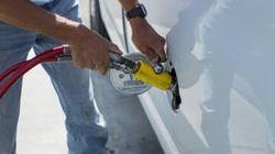 バークレイズ、今年の原油価格見通しを上方修正 緩やかな回復予想