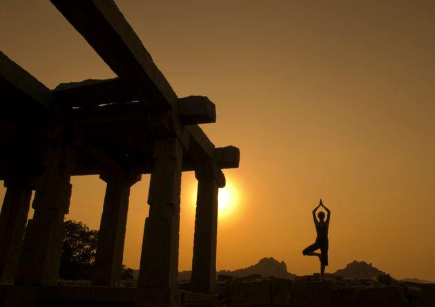 Γιόγκα: Γυμναστική, θρησκεία ή
