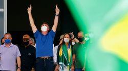 Bolsonaro provoque un tollé en incitant les Brésiliens à filmer les