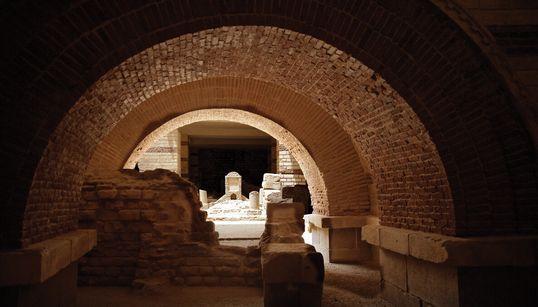 Σπάνιες εικόνες από τις ελληνορωμαϊκές κατακόμβες του αγίου Γεωργίου στο