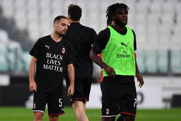 I giocatori del Milan Giacomo Bonaventura e Franck