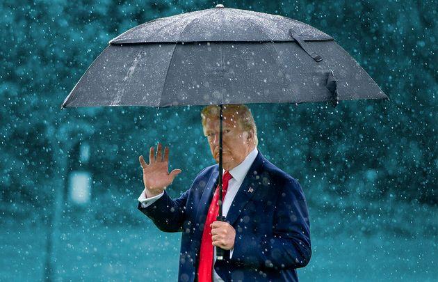 Avec la mort de George Floyd, Donald Trump se met-il de plus en plus de républicains à