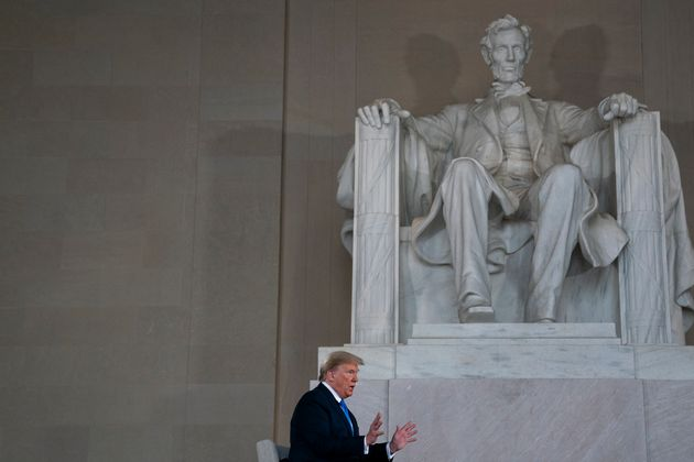 Donald Trump donnant une interview à Fox News, le 3 mai 2020 au Lincoln