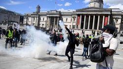 Graves disturbios entre policías y manifestantes de ultraderecha contrarios al movimiento 'Black Lives Matter' en