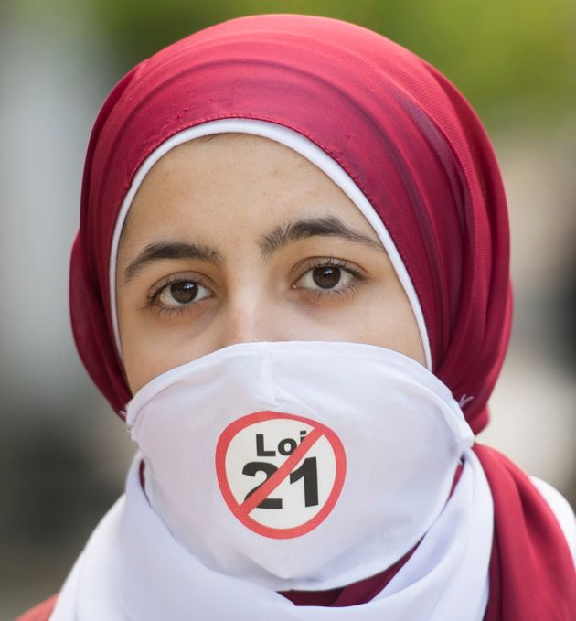 Un an après, une manif dénonce la Loi sur la laïcité de