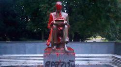 La statua di Montanelli, rimuovere o