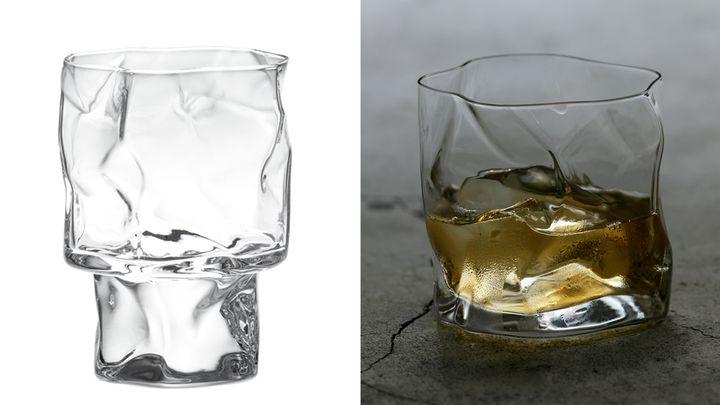 왼쪽 크럼플 와인(CRUMPLE WINE-L), 오른쪽 크럼플 올드 패션(CRUMPLE Old-fashioned)