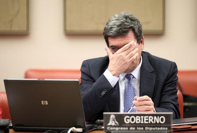 El ministro de Inclusión, Seguridad Social y Migraciones, Jose Luis Escrivá, en una comparecencia...