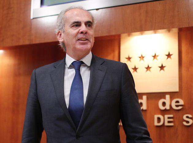El consejero de Sanidad de la Comunidad de Madrid, Enrique Ruiz Escudero, fotografiado el 26 de diciembre...