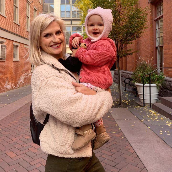 La autora y su hija, tres meses después de la competición de 2019.