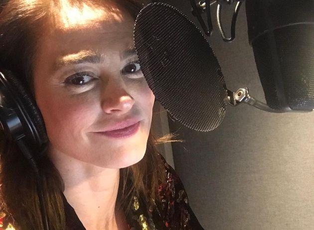 Lucie Laurier dévoile les paroles assez directes de sa première chanson, «Tueur à