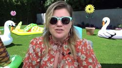 Kelly Clarkson Slays Chill-Inducing Cover Of 'Chain Of Fools' After Divorce