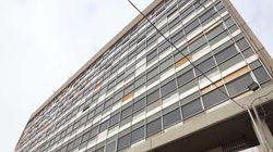 Κατάληψη στο κτίριο διοίκησης του ΑΠΘ από φοιτητές που αντιδρούν στην εξ αποστάσεως