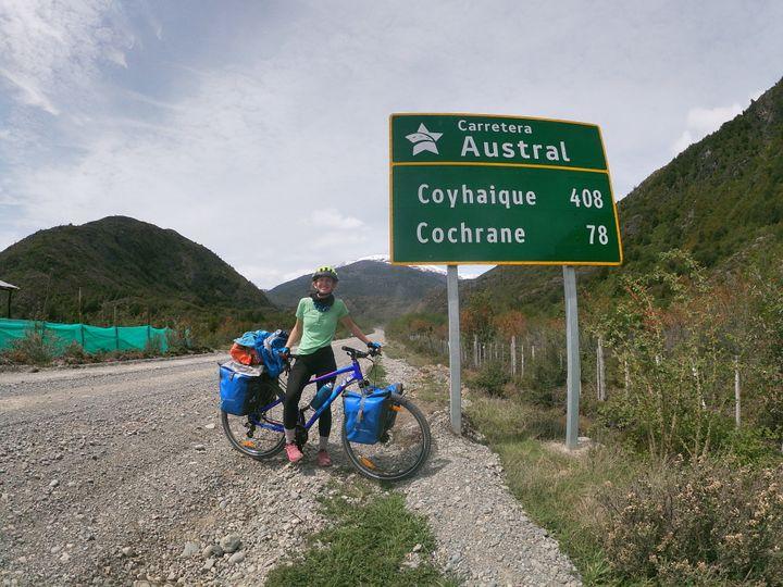 Marie lors de son voyage sur la Carretera Austral, nom donné à la route n°7 au Chili, qui relie à travers la Patagonie la ville de Puerto Montt à Villa O'Higgins.