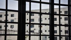 La vetrina e il retrobottega del negozio dell'antimafia (di Sergio