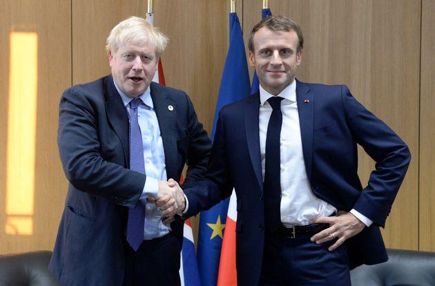 La crise du coronavirus va-t-elle obliger Johnson à lever le pied sur le Brexit? L'analyse du...