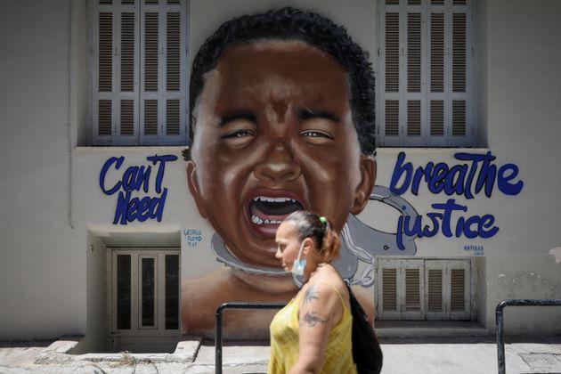 Η Αθήνα τιμά τον Τζορτζ Φλόιντ μέσα από ένα εντυπωσιακό