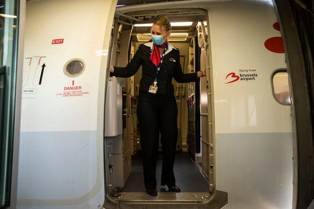 ΗΠΑ: Επιβάτης απομακρύνθηκε από πτήση επειδή αρνήθηκε να φορέσει