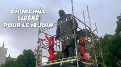 La statue de Churchill libérée de sa caisse métallique pour la visite de