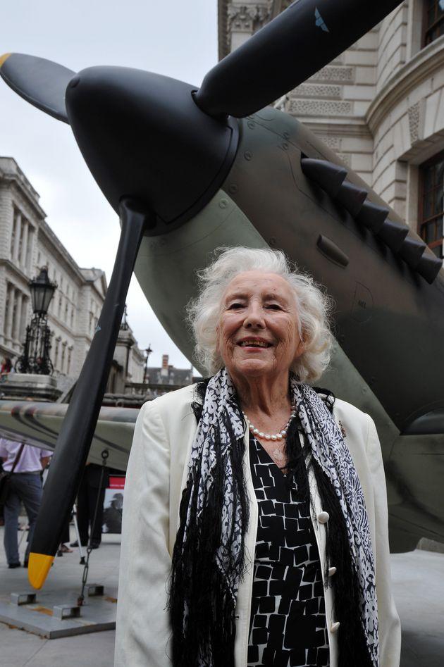 Dame Vera Lynn Dies, Aged 103