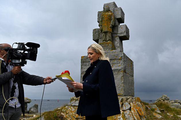 La présidente du RN Marine Le Pen a fêté l'appel du 18 juin le 17, soit 80 ans après l'appel du Maréchal...
