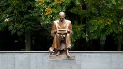 La statua di Indro Montanelli vista con il filtro di Ettore