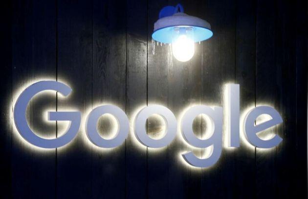 Reuters: Στο φως υπόθεση μαζικής παρακολούθησης χρηστών του