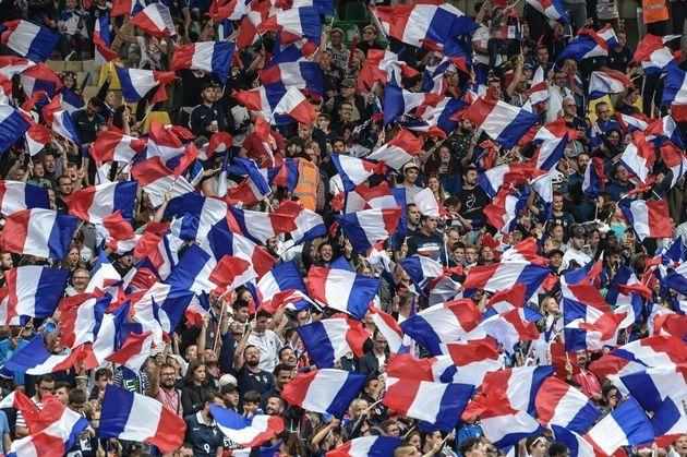 Un rapport du Sénat propose d'assouplir la loi Évin pour renflouer les clubs après...