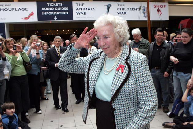 Vera Lynn en su 90
