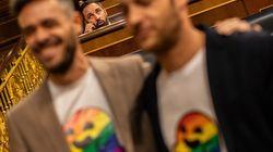 Abascal estalla en Twitter contra una campaña por el Orgullo