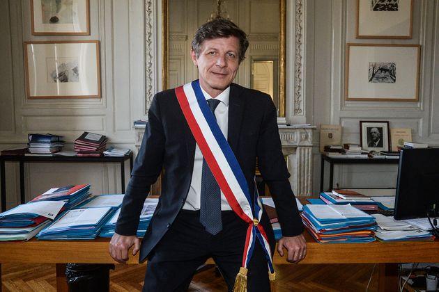 Nicolas Florian, le maire de Bordeaux est attaqué en justice par son rival écologiste Pierre