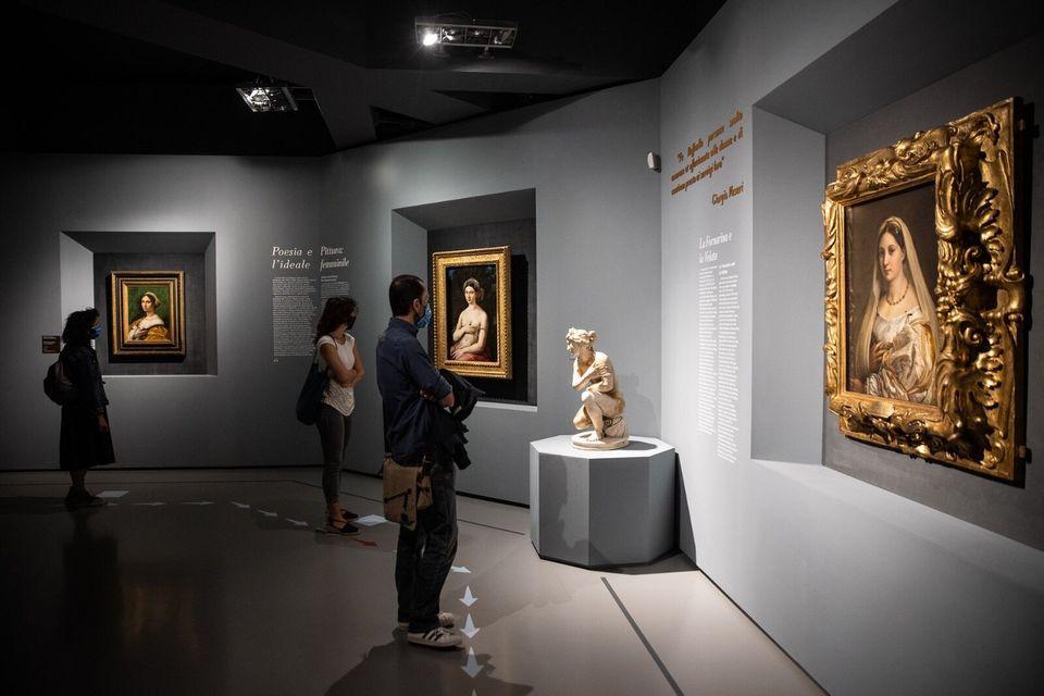 Mostra di Raffaello alle Scuderie del Quirinale, Roma. Visitatori in