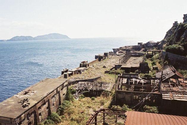 島 と は 軍艦 軍艦島:写真と記録