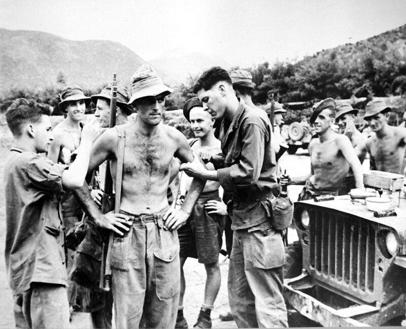 1950년 9월 12일 예방접종 맞는 영국군 병사 모습. 2020년 6월 22일