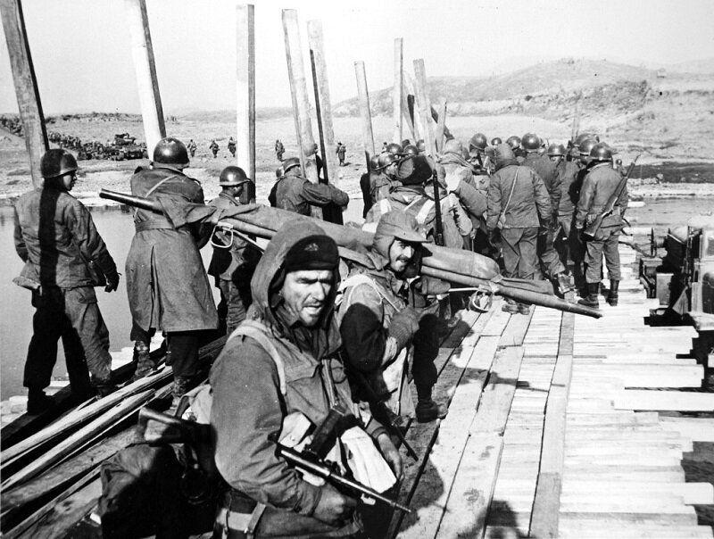 1950년 12월 38선 돌파 준비하는 호주군 모습. 2020년 6월 22일