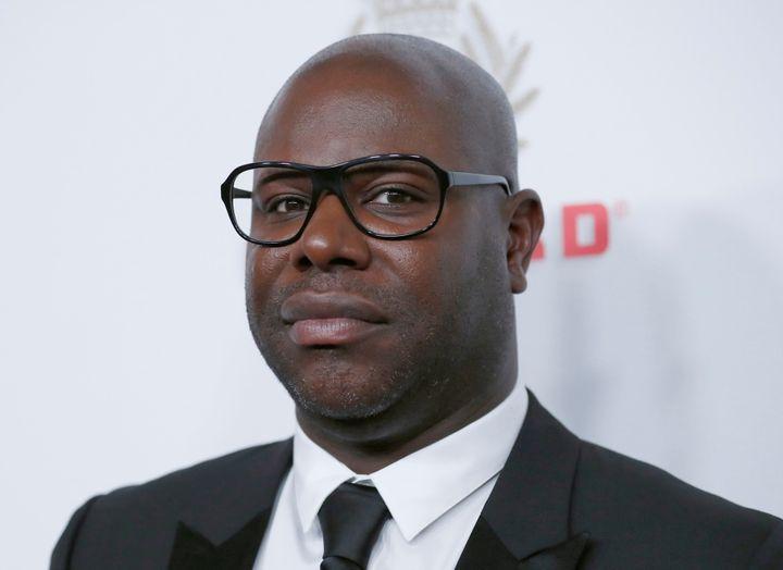 """Steve McQueen a dénoncé le racisme dans l'industrie du cinéma britannique dans un article publié ce dimanche 21 juin dans le journal britannique """"The Observer"""""""