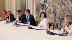 Revuelo en Twitter por esta imagen de Pablo Iglesias y Felipe VI: parece que está claro el