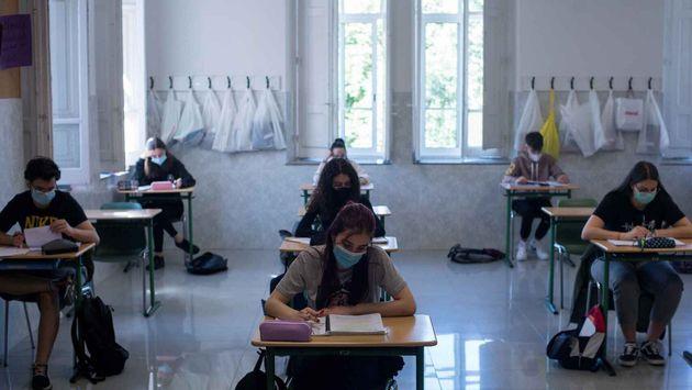 Estudiantes preparan la EvAU en un colegio de