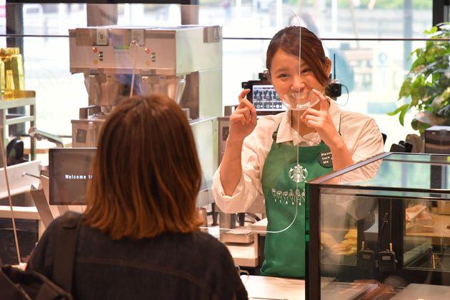共通言語は手話。スターバックス、国内初の「サイニングストア」をオープンへ どんなお店なの?