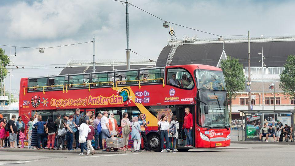 (자료사진) 전 세계에서 몰려드는 관광객들은 암스테르담 지역 경제를 지탱하는 하나의 기둥이기도