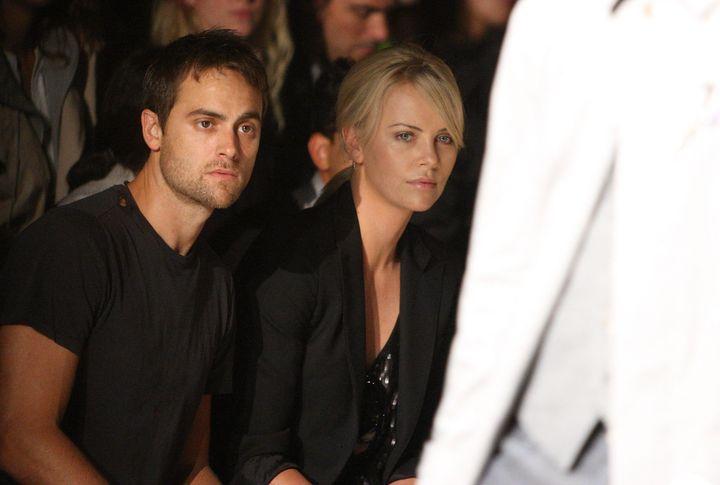 Charlize Thereon y Stuart Townsend, en septiembre de 2009 en Nueva York.