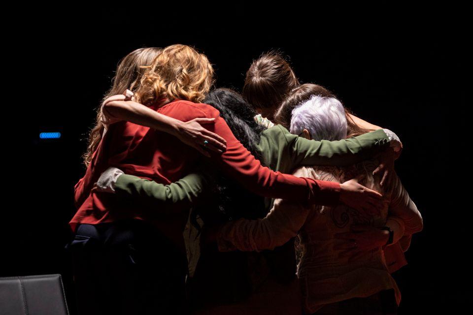 Roda de conversa mediada pela roteirista Camila Appel com 7 vítimas de João de