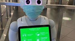 Ρομπότ ενημερώνουν το επιβατικό κοινό στον Διεθνή Αερολιμένα